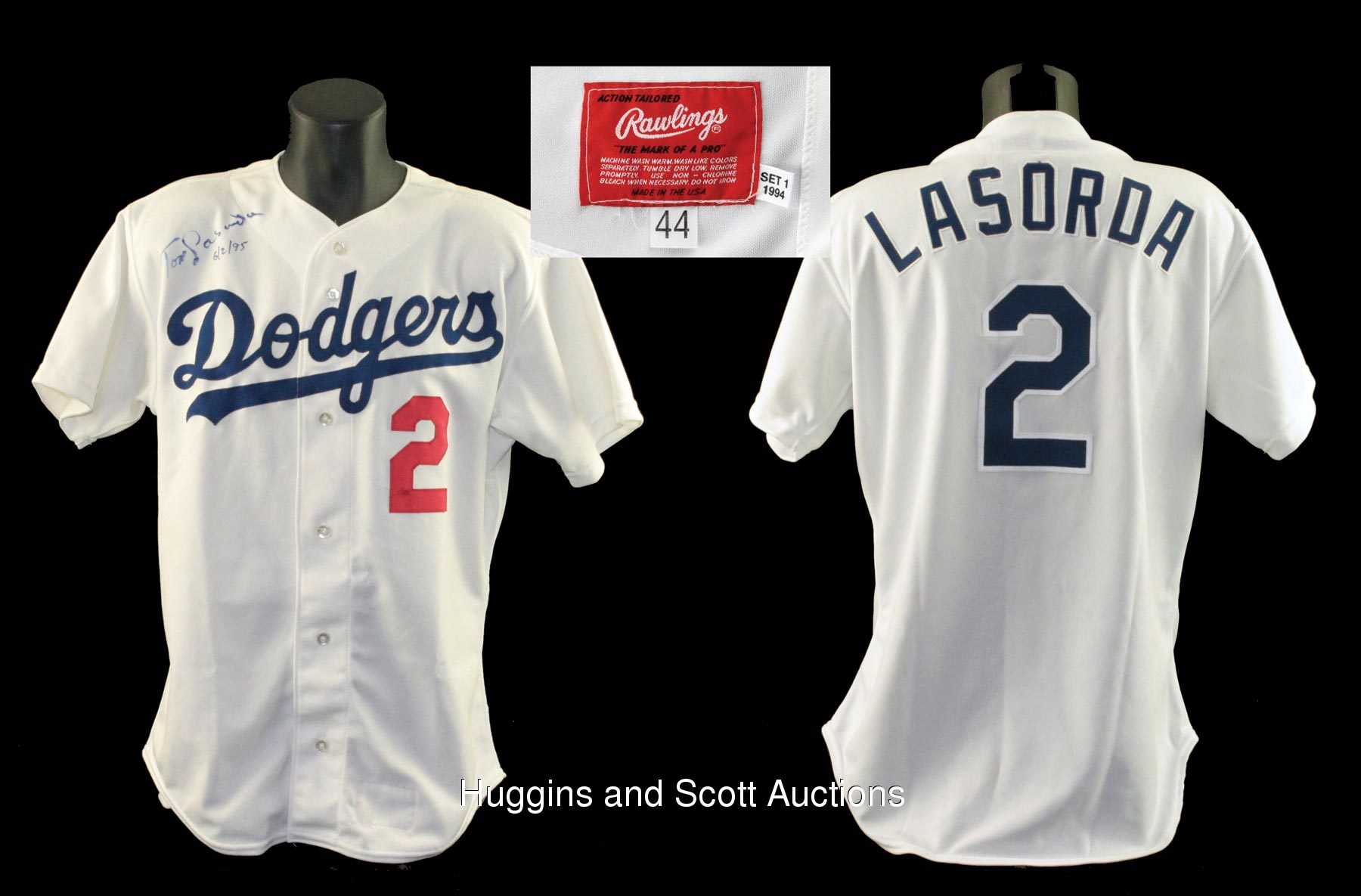new styles 84a51 88bce Tommy Lasorda 1994 Signed Game-Worn Los Angeles Dodgers Home ...